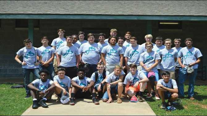 3---Students-attend-summer-leadership-camp1