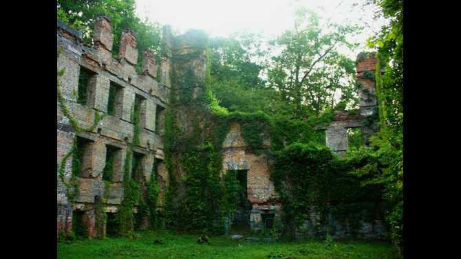 Ruins of the New Manchester Manufacturing Company Textile Factory2