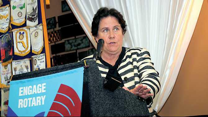Alicia-Philipp-president-of-Community-Foundation-for-Greater-Atl-at-Conyers-Rotary-IMG 7455