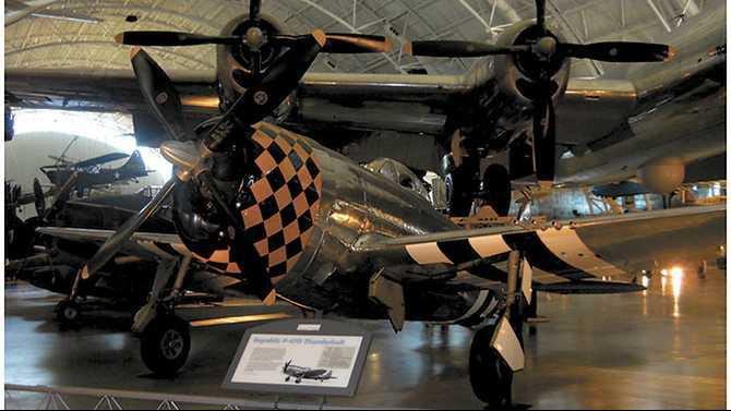 Ben-Smart-Fallen-Soldier-project---P-47-plane-in-DC-similar-to-Hodges-plane-which-was-typeD-25RE
