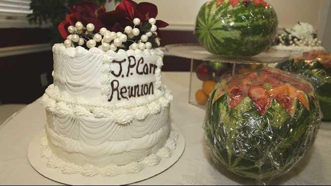 JP-Carr-reunion---cake