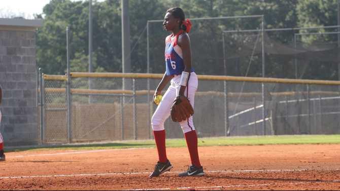 Lady-Patriots-pitcher-Kamryn-Toney
