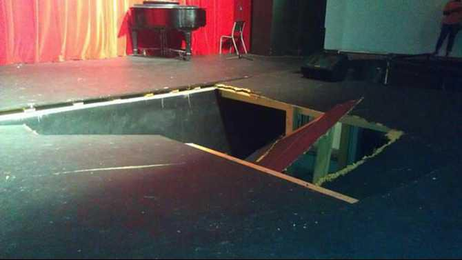 SHS-stage-collapse-pic-11-alive