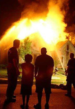 liz-court-house-burning