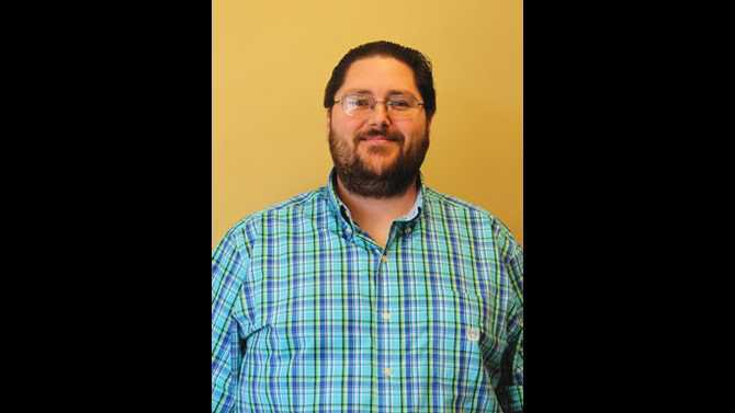 Liberty-Middle-Media-Specialist-Ryan-Cannon-Named-2017-NCSS-Media-Specialist-of-the-Year---headshot