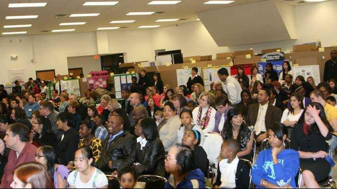 science fair crowd IMG 9995