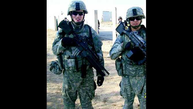 0110MECCA   Joe Rode in Iraq on left