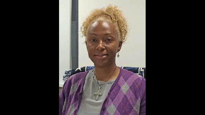 Loineda-Dean-teacher-wins-grant-for-smart-pens