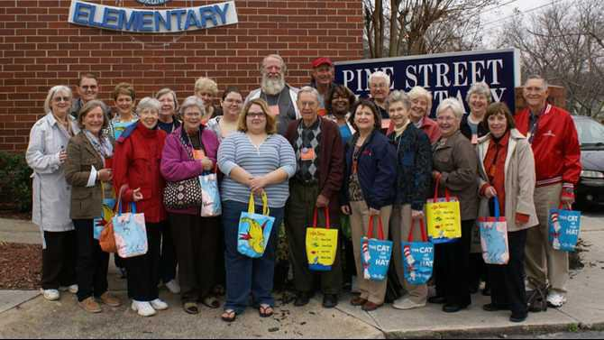 PSE-book-buddy-volunteers-2