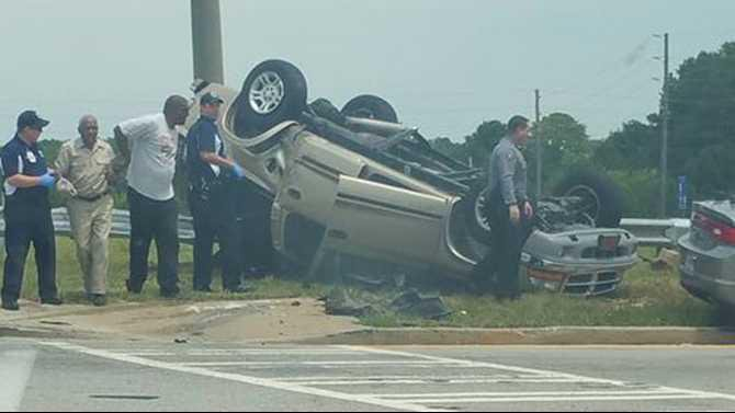 Deputy-crash-at-Salem-Rd-7-31-15-closer-submitted-by-Whitney-Spell