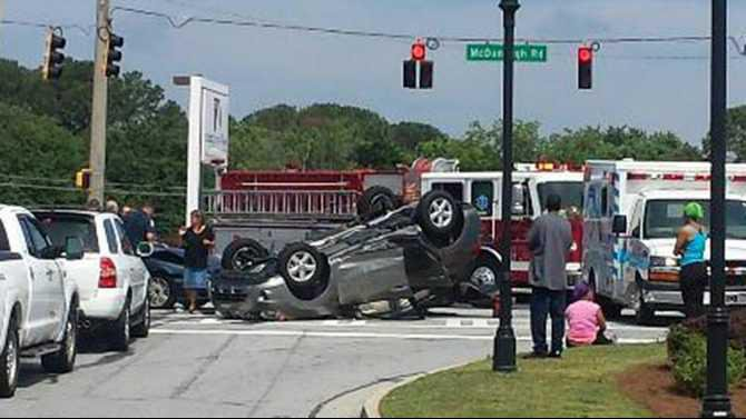 crash-on-138-in-front-of-chickfila-5-28-14-download 20140528 112043