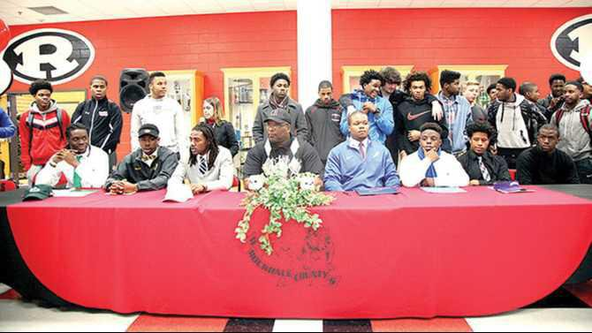 RCHS-signing-day-2015