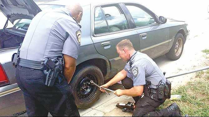 0815photoRCSOassist-deputies-assist-Shea-Mitchell-2