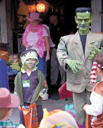 Frankenstein-and-his-mini-m