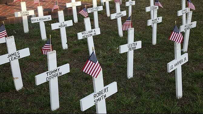 crosses outside american legion post 77 IMG 4280