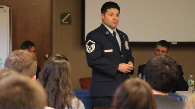 oxford students talk with military panel