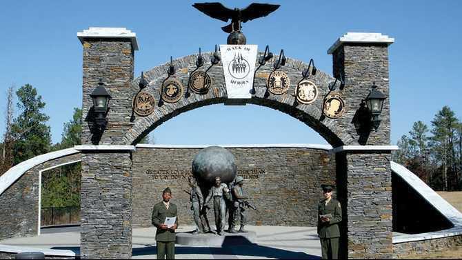 Walk of Heroes entrance 11-11-10 IMG 8493