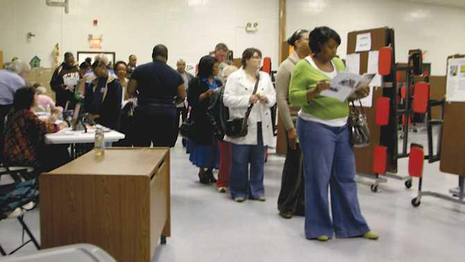 voters line up at the Olde Town precinct at PSE IMG 7351