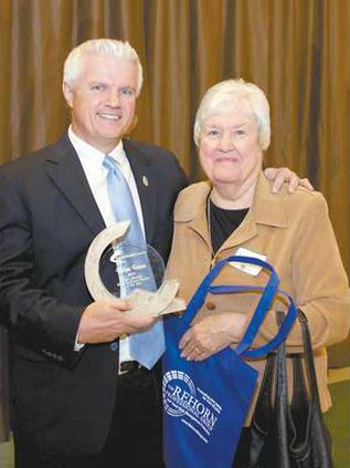 Small-Business-Owner-of-the-Year---with-wife-of-award-named-after-IMG 8683