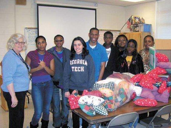 RCHS-donates-pillows-to-Dec