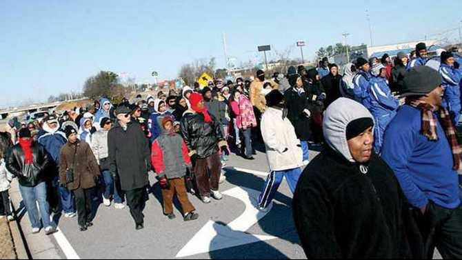 Walk-by-Faith-2010---crowd-