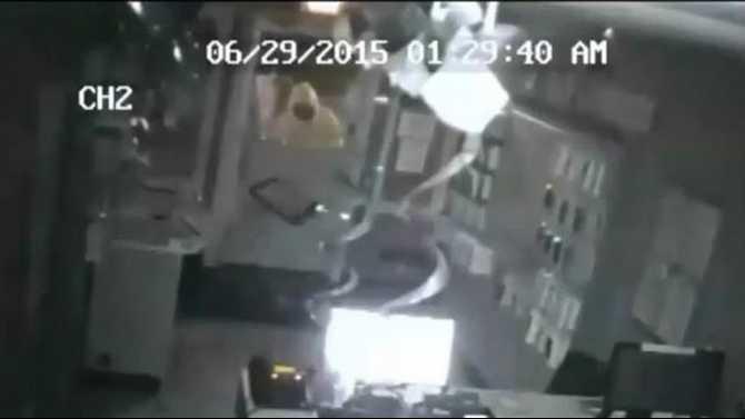 CPD-MetroPCS-burglary-6-29-15-suspect-1