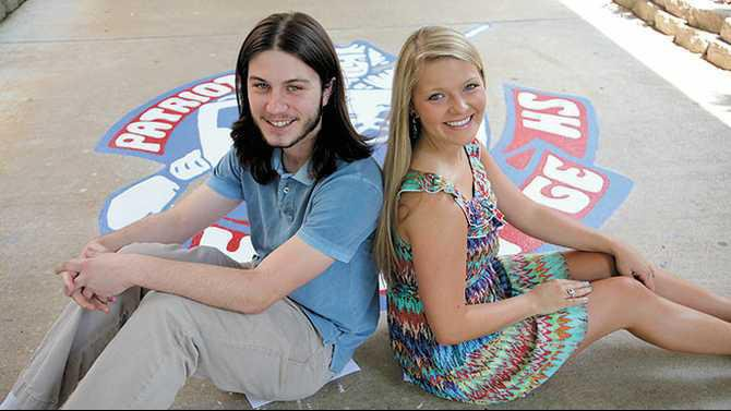 IMG 5831-HHS-2013-salutatorian-Sebastian-Moore-and-valedictorian-Diana-Thompson---sitting