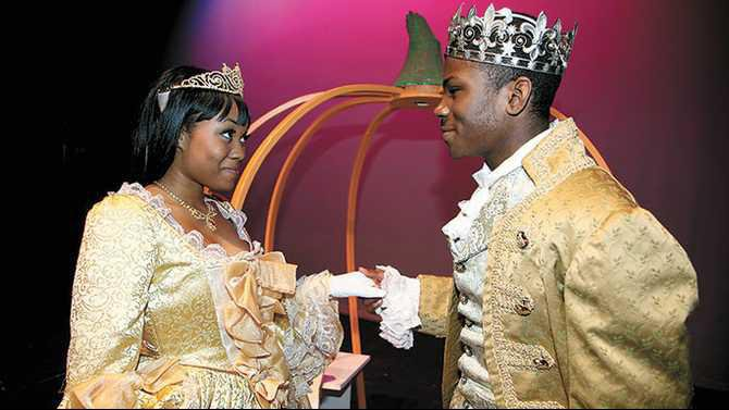 Salem-Cinderella---senior-Jenae-Newell-as-Cinderella-and-soph-Naheem-Mitchell-as-Prince-Charming-IMG 4010