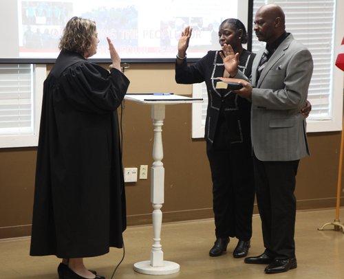 Henderson taking oath.jpg