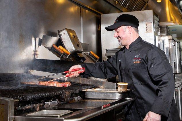 LongHorn Steakhouse - Kurt Frazer at Grill.jpg