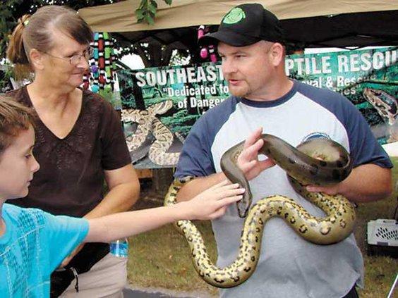 Wildlife-fest-Holding-Snake - 2008