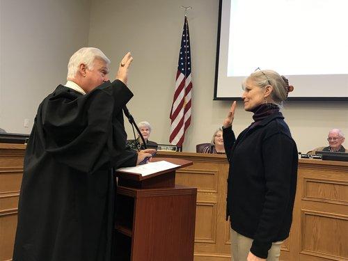 Mccanless sworn in