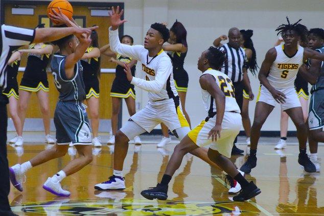 Alcovy basketball