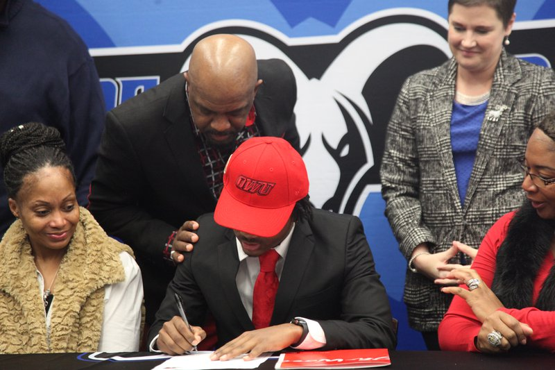 Hines Signing 2