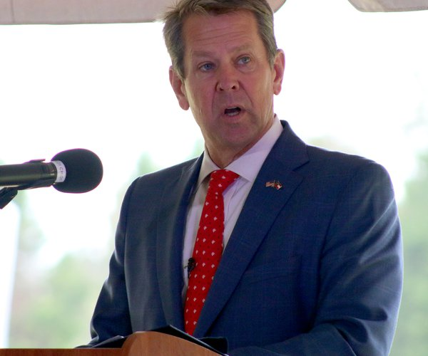 Kemp speaks at Bridgestone in Covington