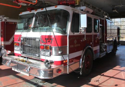 Newton County firefighters battle backyard blaze